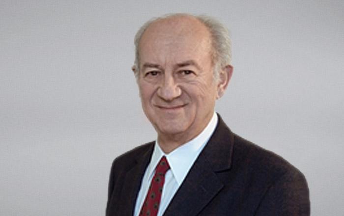 Dr. Manfred Antoni