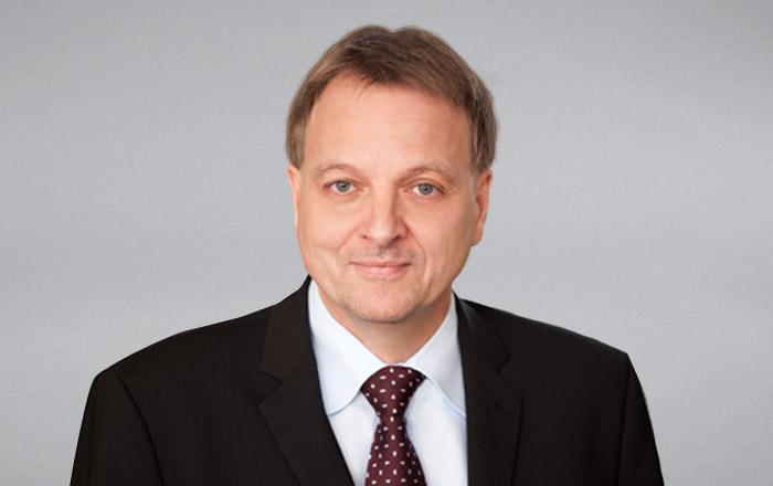 Dr. Stefan Reis